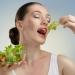 夕食から翌日の朝食まで半日空けるだけ!?12時間ダイエットが流行る予感♪